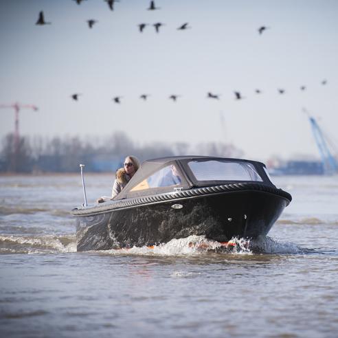 Maxima boats